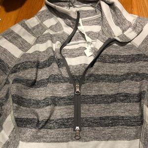 Tops - Lululemon Half ZIP Pullover size 4